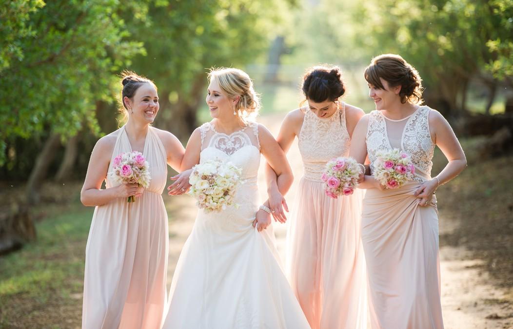 Advice from professional wedding photographers